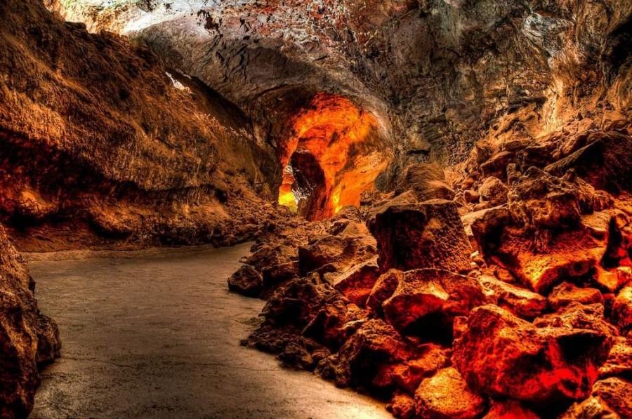 Cueva de Los Verdes interior