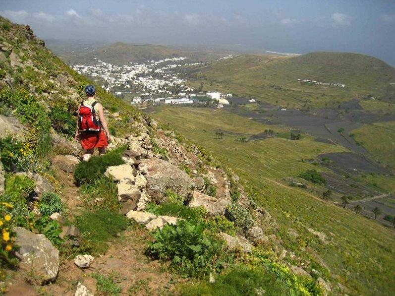 Los Mejores Sitios Para Hacer Senderismo En Lanzarote