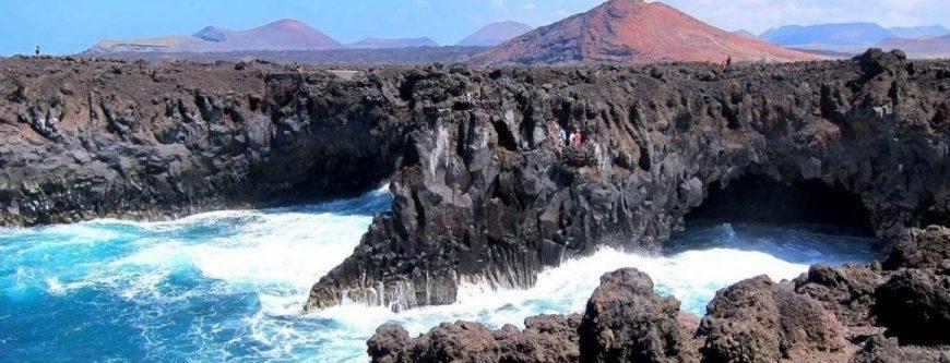 Los Hervideros: acantilados de Lanzarote